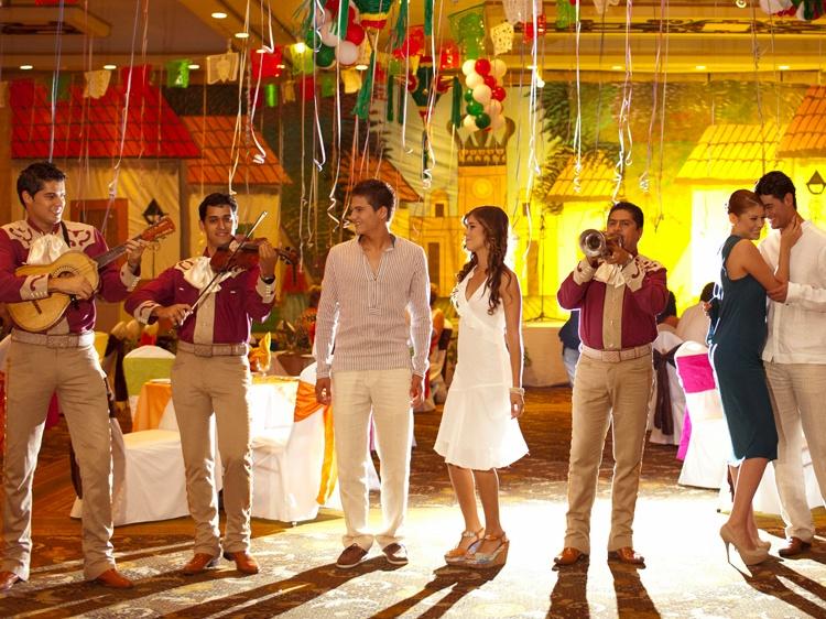Puerto Vallarta Hotel offers Mexican Fiestas