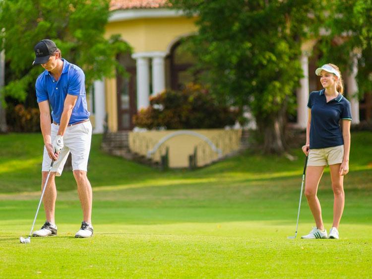 Paquete de golf para doce adultos Master Foursome
